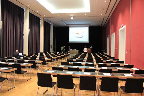 Und in diesem Raum muss ich am Donnerstag meien Vortrag halten...